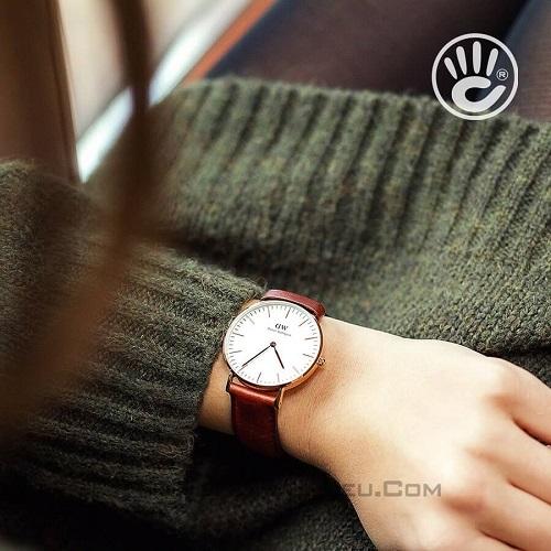 tham khảo các mẫu đồng hồ nữ dây da đẹp 5